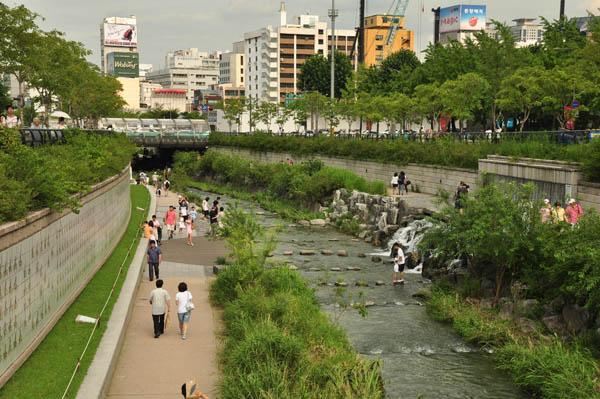 han-river-promenade